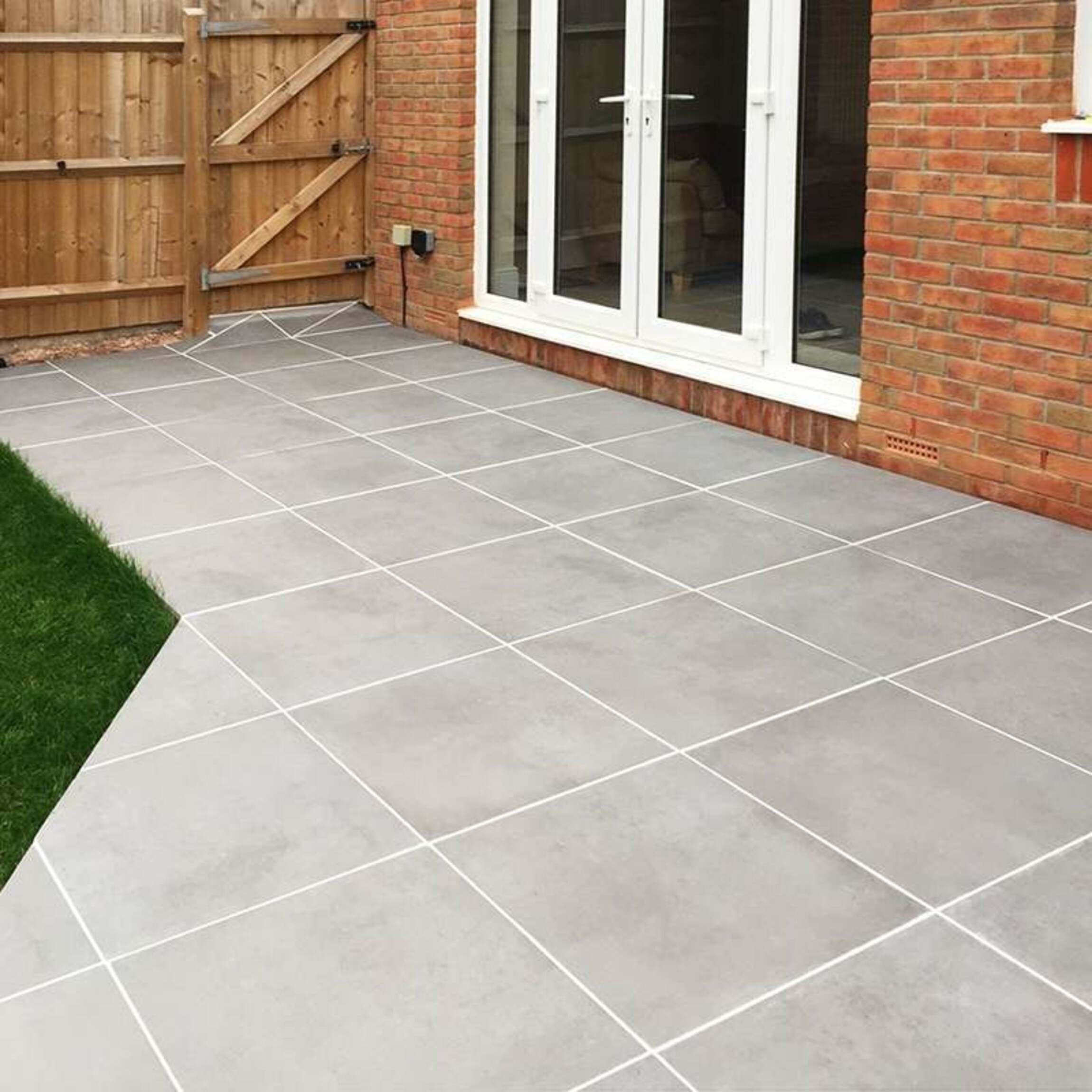 Luna Mid Grey Outdoor Matt Porcelain Slab Tiles 600x600